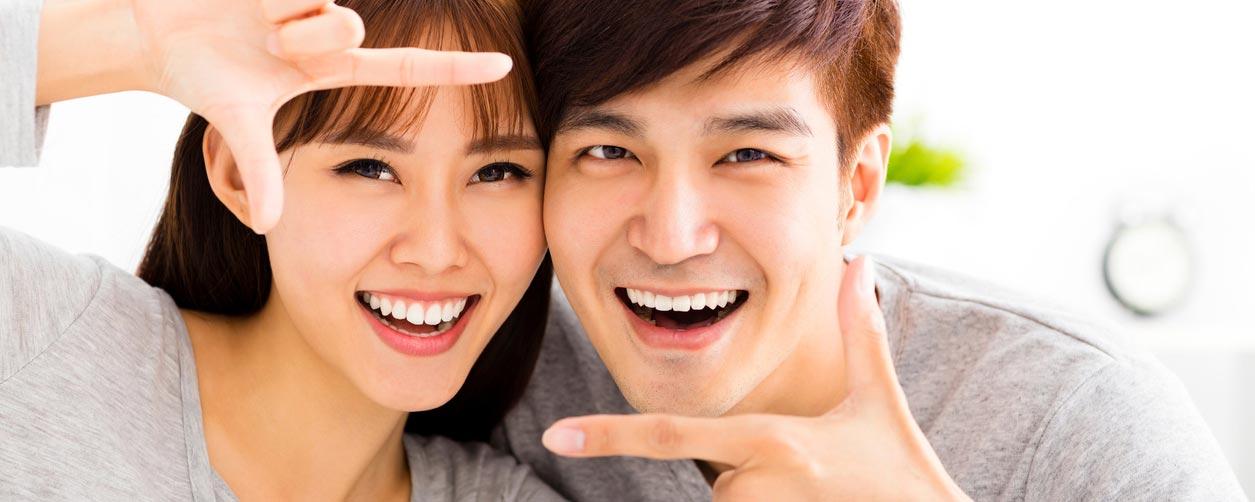 Couple finger frame Testimonials
